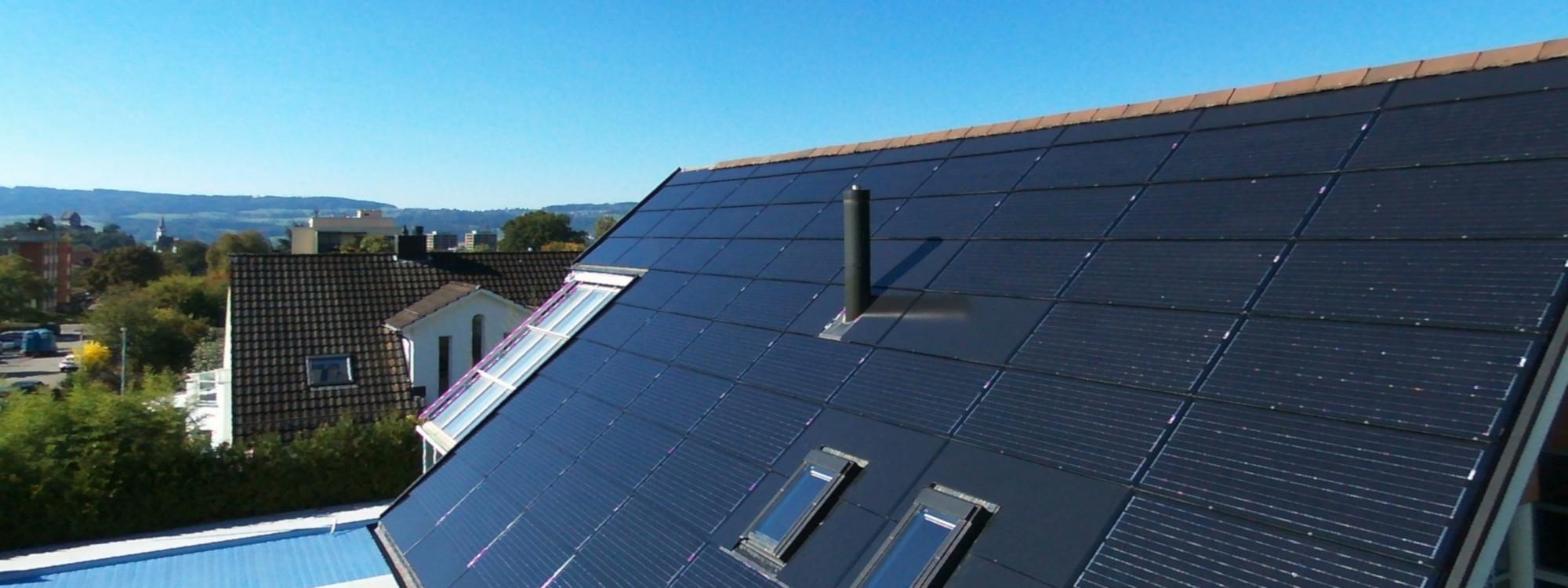 Eine Solaranlage von RUTZ Solar senkt nachhaltig Ihre Stromkosten und setzt auf erneuerbare Energien