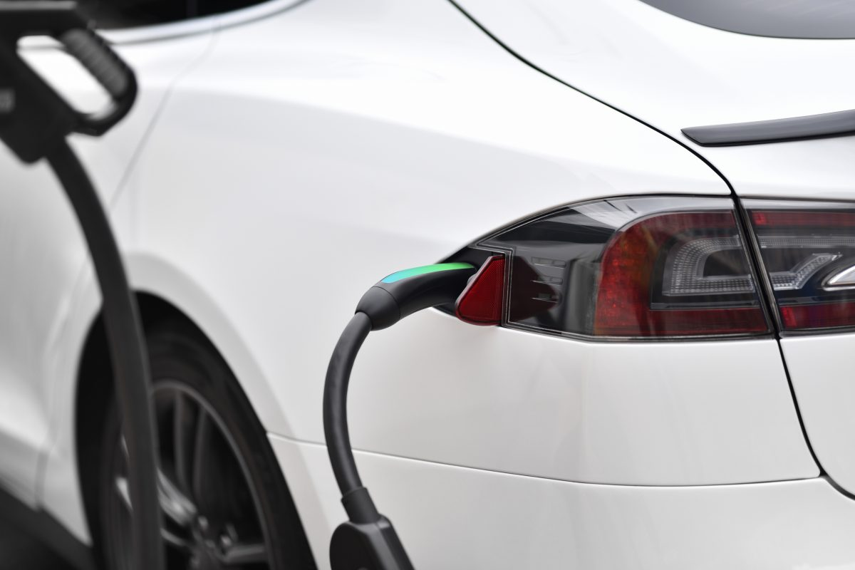 Tesla & Photovoltaik – Elektroauto mit Solarstrom laden